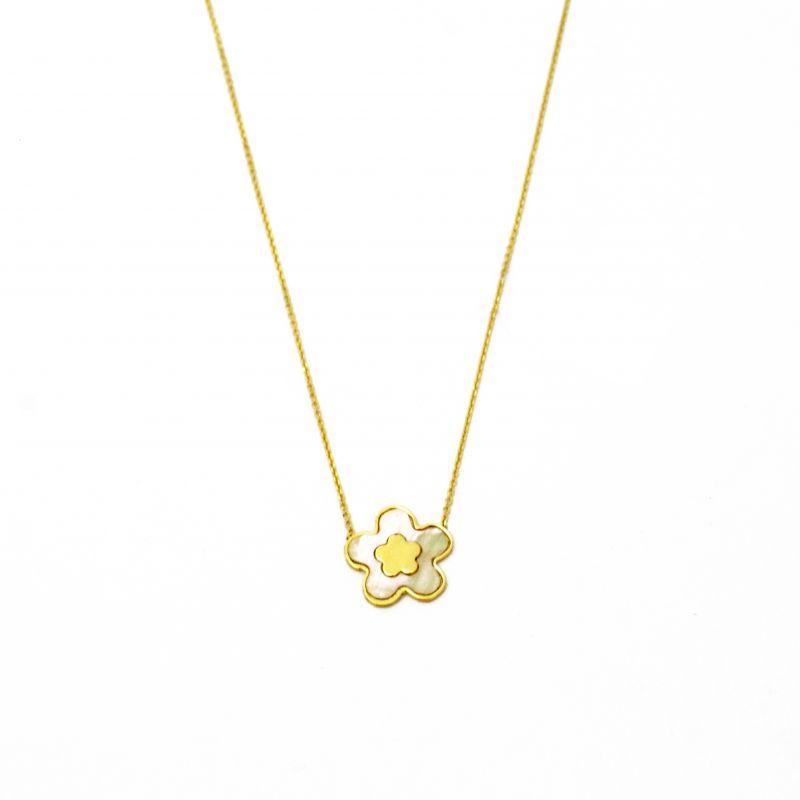 Collana con fiore in madreperla in oro giallo